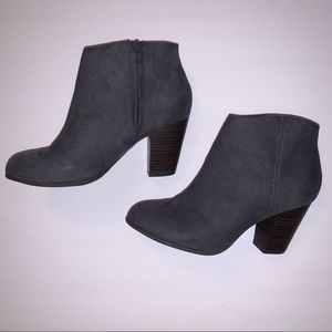 Old Navy Booties - Size 7